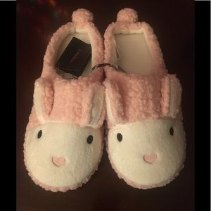 Adorable pink bunny slippers NWT - size large.